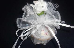 Model : tülün içinde çiçekli porselen
